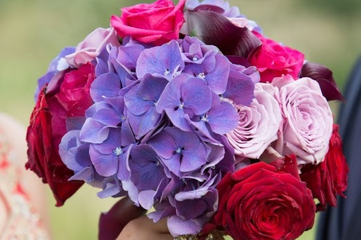 hydrangea and rose wedding bouquet