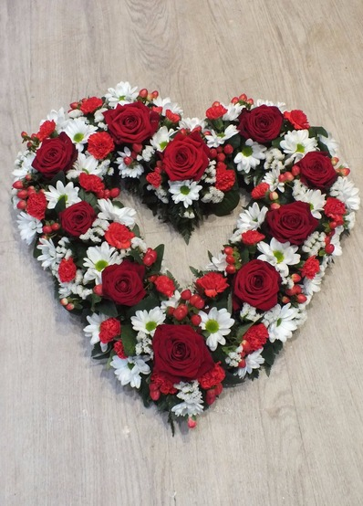 red roses heart tribute bedford
