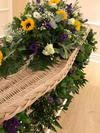 casket flowers bedford florists
