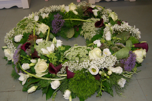 natural style wreath bedford